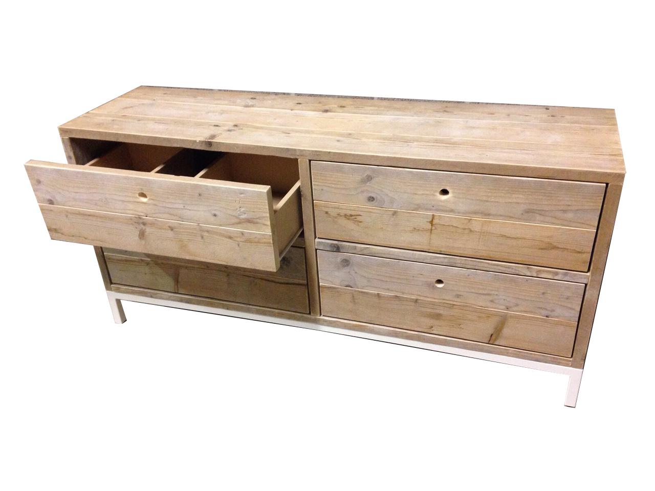 Sloophouten en steigerhouten meubelen op maat gemaakt - Houten meubels voor badkamers ...