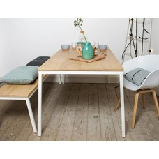 'Norberg' eikenhouten tafel/stalen frame schuin