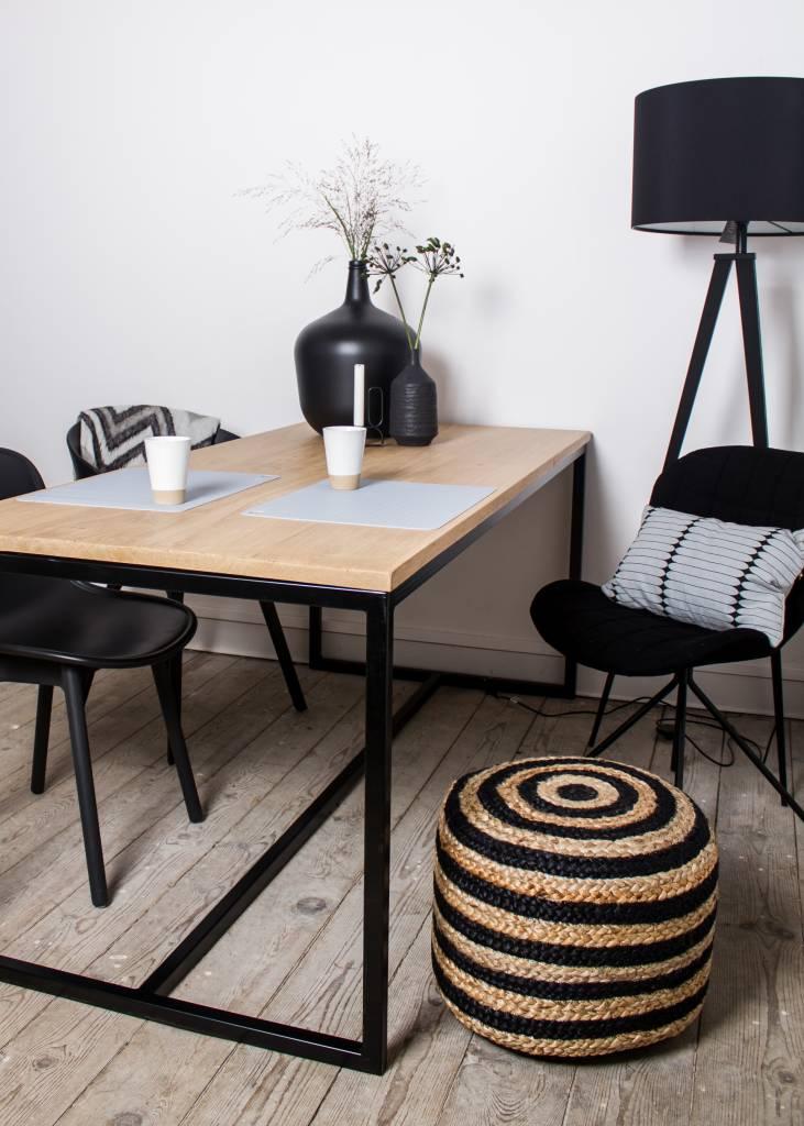 Eiken tafel stalen frame pure wood design for Eiken tafel