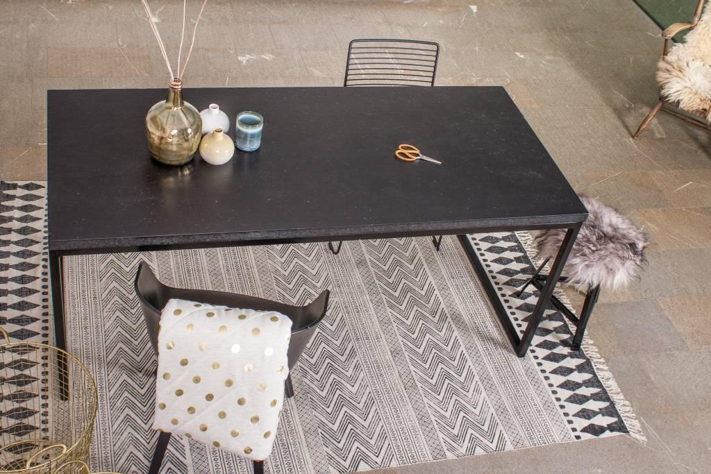 Nordland tafel met chipwood en recht stalen frame pure wood design