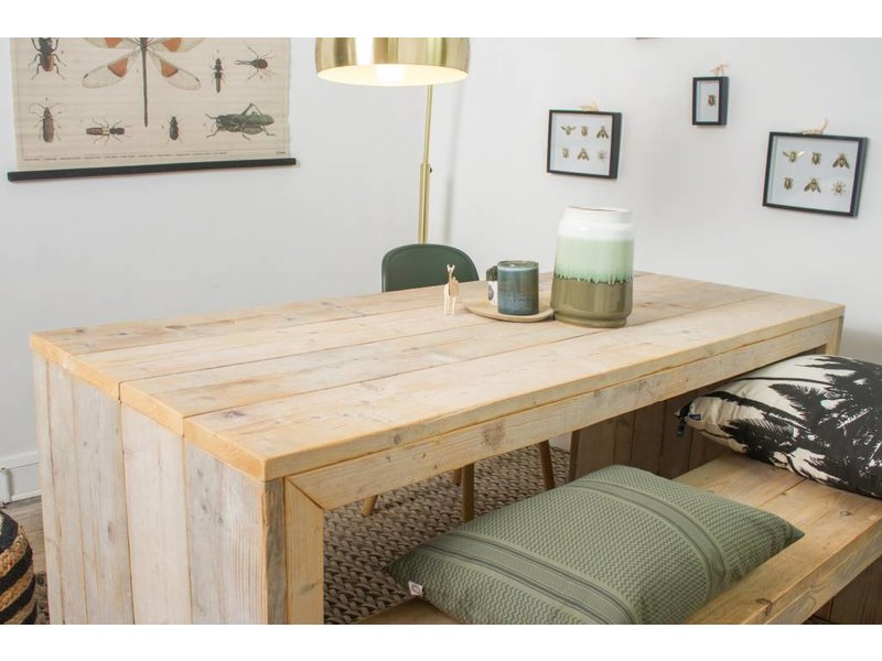 """Lund"" Table massive en pin recyclé"