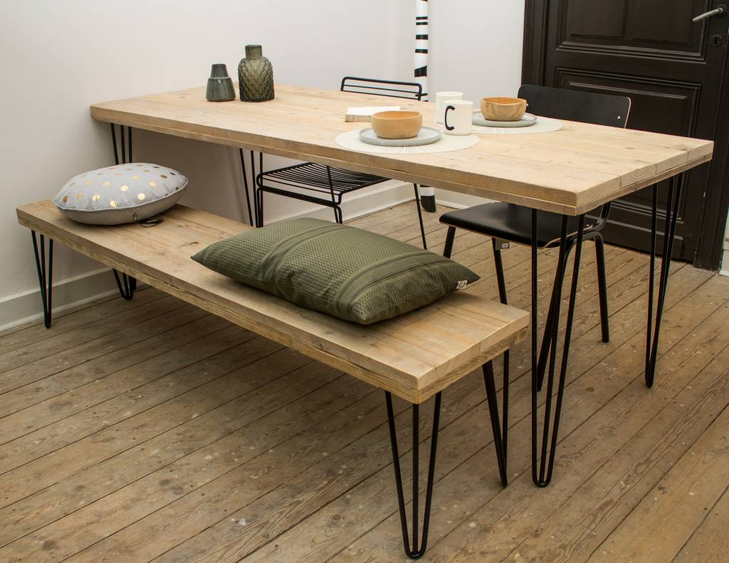 industriele tafel steigerhout met schuine poot pure wood design. Black Bedroom Furniture Sets. Home Design Ideas