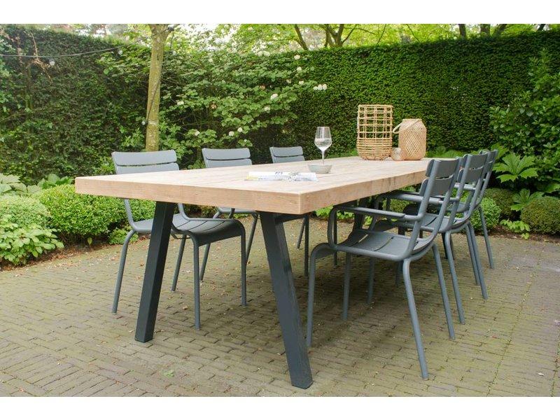 PURE wood design 'Arendal outdoor' tuintafel steigerhout/stalen poten schuin