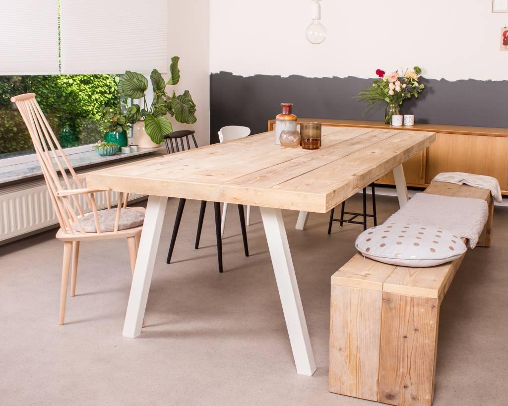 Arendal industriele tafel steigerhout schuine poot pure wood design