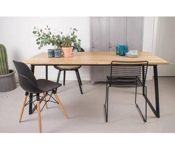 'Ekberg' Table en bois de chêne avec des jambes tordues