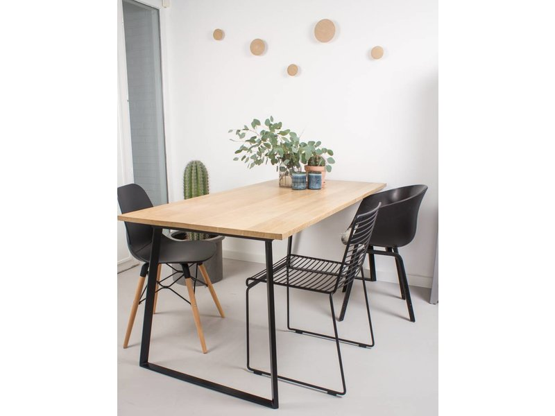 'Ekberg' eikenhouten tafel/onderstel met schuine poten