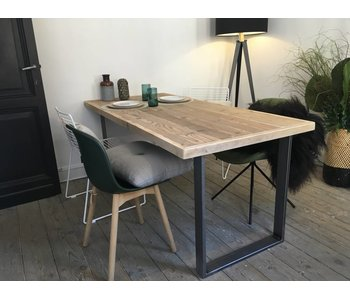 """Oppland"" Table solide au style industriel"