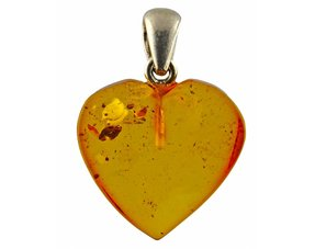 Pendant from amber