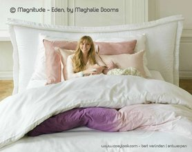 Magnitude boxspring bed Eden by Maghalie Dooms