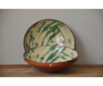 Salade kom groen gevlekt van Spaanse keramiek