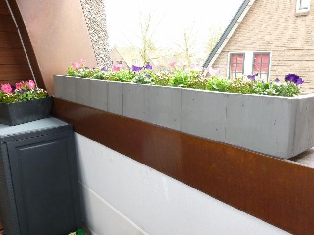 Lange plantenbak