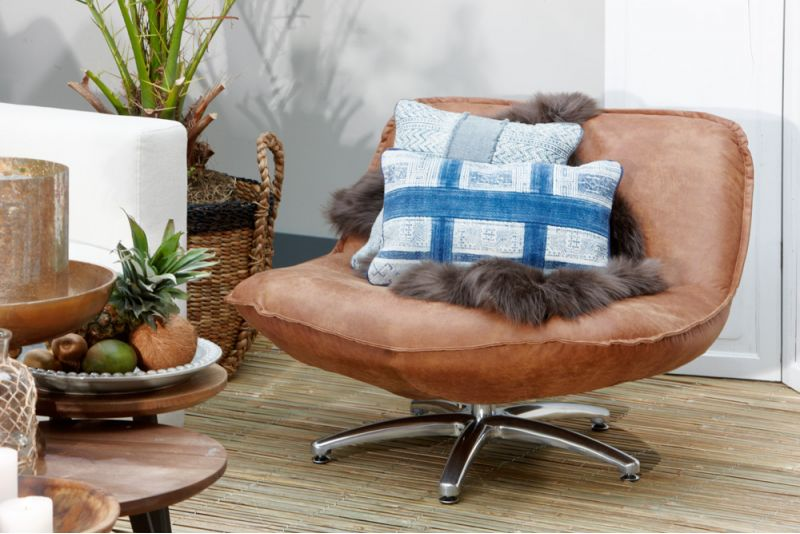 Lifestyle Forli armchair brown black legs