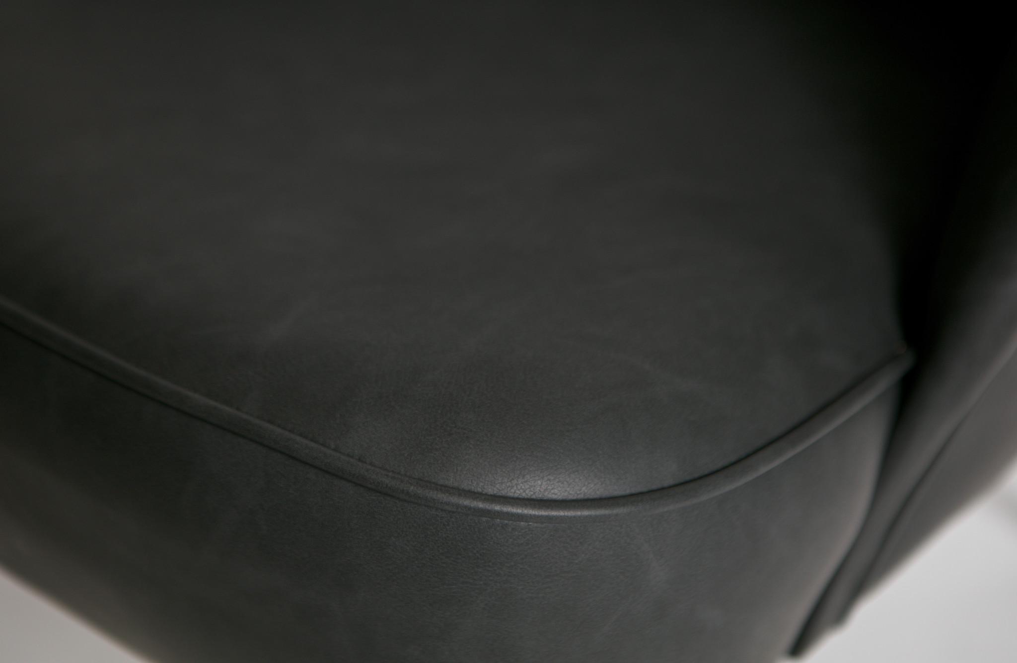 Vogue fauteuil leer zwart detail