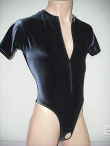 Male-Bodysuit Presenter with Zipper