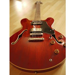 Vantage Jazz gitaar 635V hollow body
