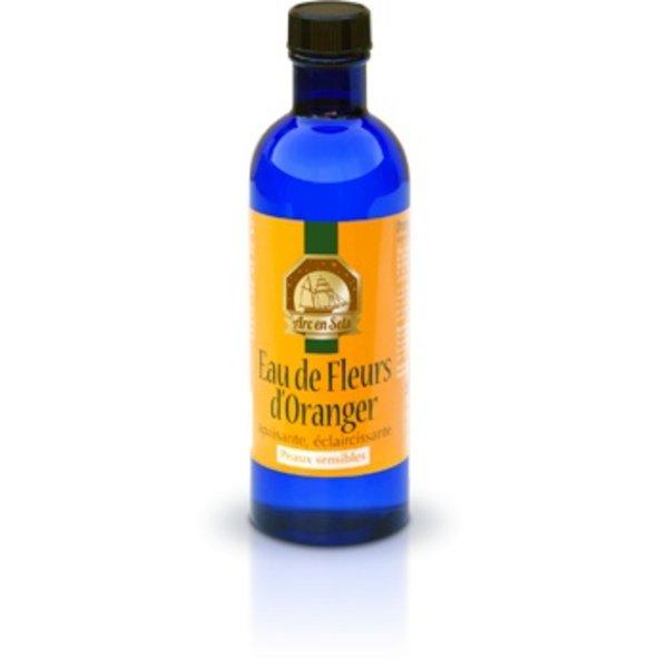 Zuiver biologisch oranjebloesem water