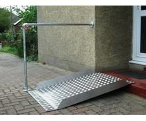Aluminium ramp met railing