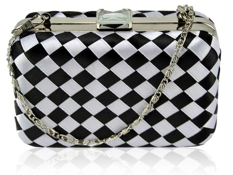 MT Gracie Black & White