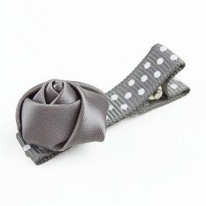 Baby haarspeldje met mini roosje (grijs)