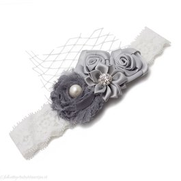 Haarbandje vier bloemen op kant (grijs)