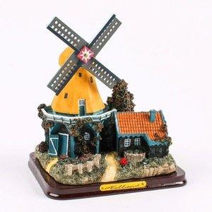 Typisch Hollands Windmühlen-Landschaft