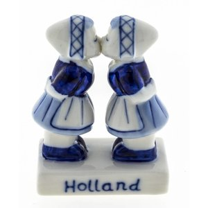 Typisch Hollands Lesbian couple Delftware - Holland