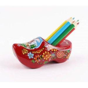 Typisch Hollands Klomp met slijper en potloden rood