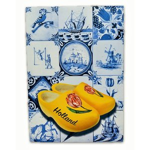 Typisch Hollands Single card - Delft blue - Classic with wooden shoes