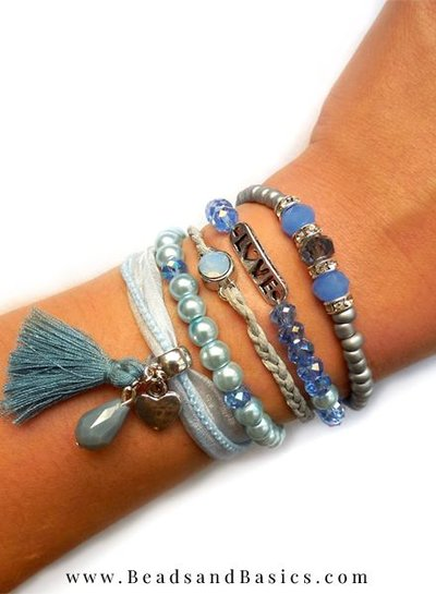 Blue Bracelet With Magnetic closure