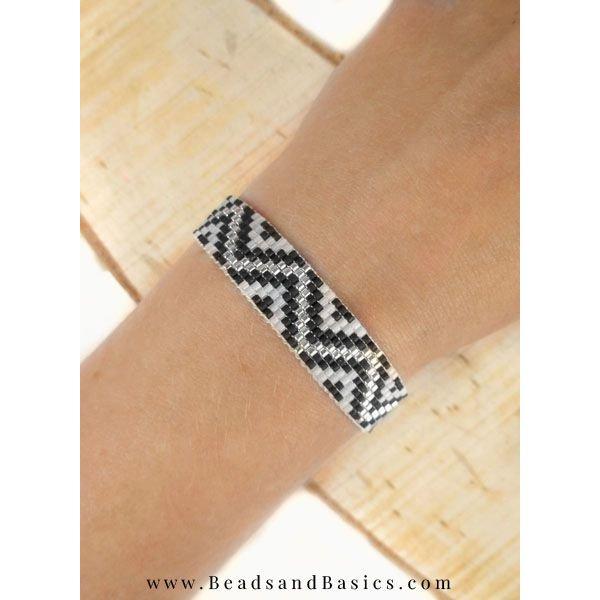 Miyuki Bracelet Made With ZigZag Pattern