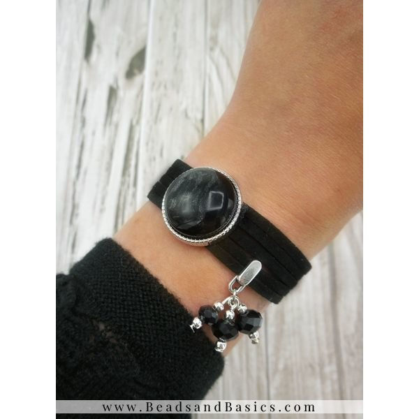 Make A Bracelet Of Suede Folders With Slider - Black