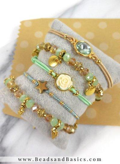 Minimalist Bracelet Set With Mingroene Beads