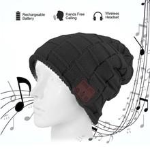 Muts met ingebouwde bluetooth headset zwart