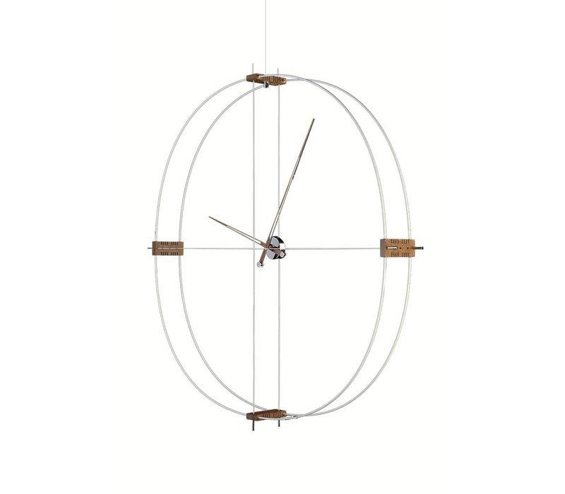 grote klok Delmori met een diameter van 140 cm