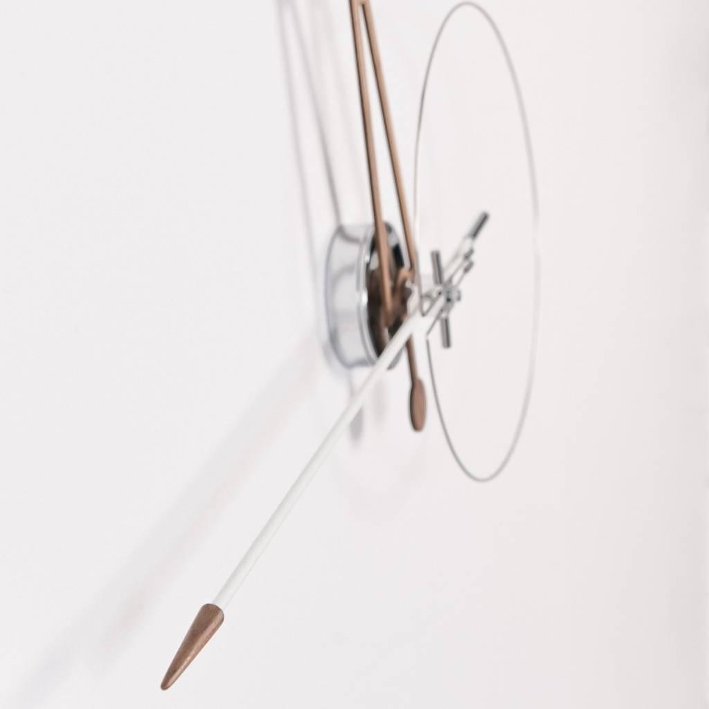 moderne wanduhr cris wilhelmina designs. Black Bedroom Furniture Sets. Home Design Ideas