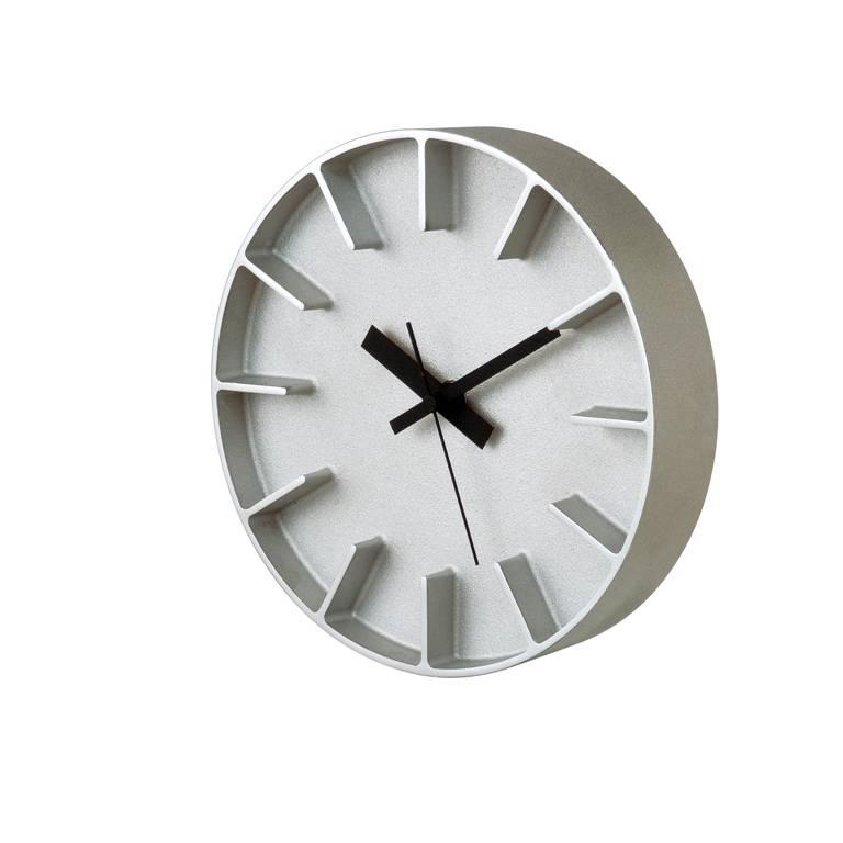 Lemnos moderne ronde klok 39 edge 39 van gegoten aluminium in 2 kleuren wilhelmina designs - Moderne klok ...