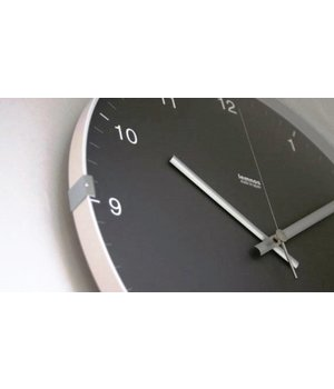 Lemnos Modern wall clock in aluminium and glass