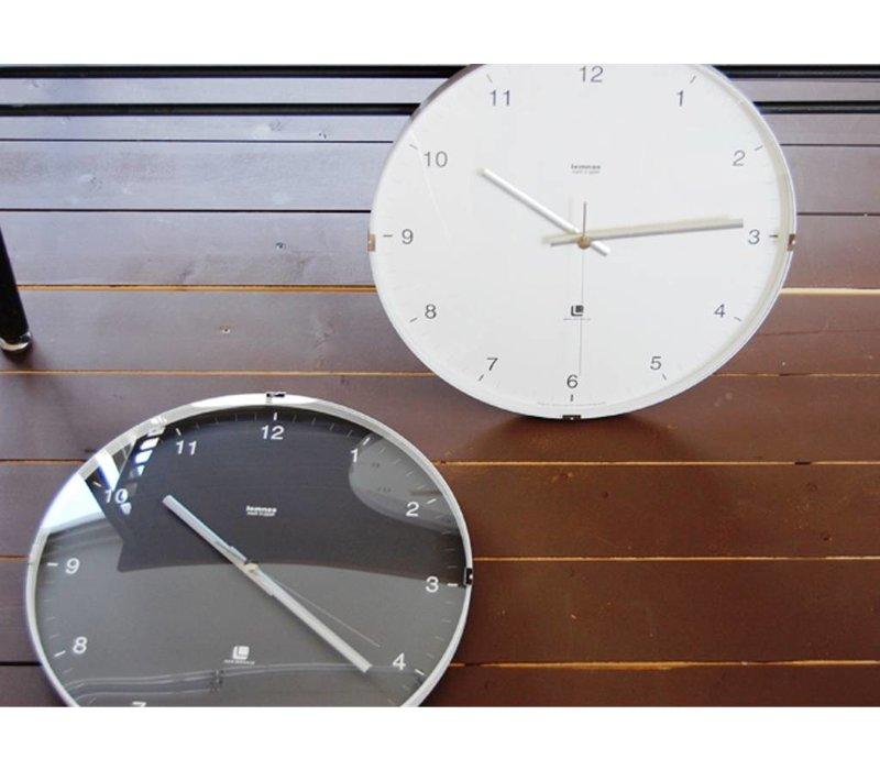 """North"" Wanduhr modernes Design aus Aluminium und Glas"