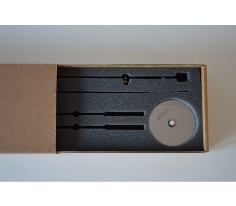 Design Uhr nur mit Holzzeigern, Axioma 73 cm