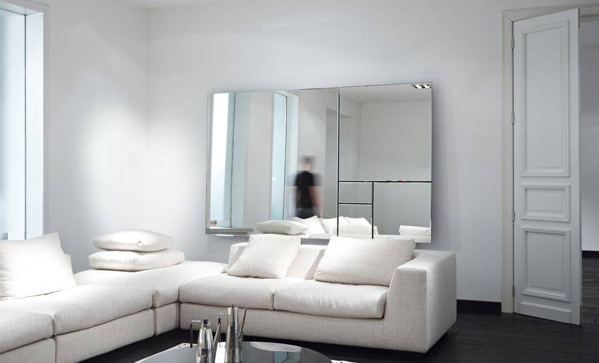 Design mirrors for a stylish and spacious effect in your room