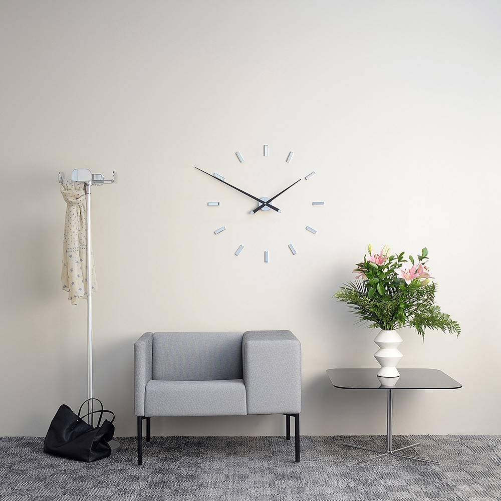 Nomon wanduhr modern 39 tac n 39 105 cm wilhelmina designs for Designer wanduhren wohnzimmer