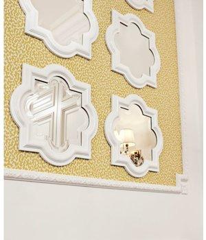 Eichholtz Witte spiegel met houten lijst 50x50cm