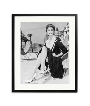 Sophia Loren in Cannes zwart wit foto in lijst