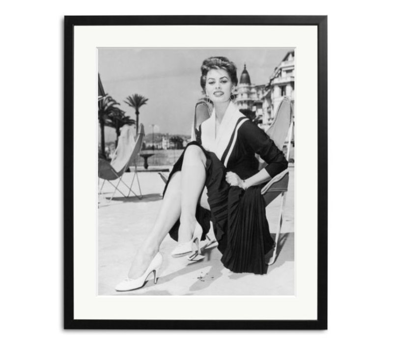 Sophia Loren in Cannes Schwarz Weiß Foto eingerahmt