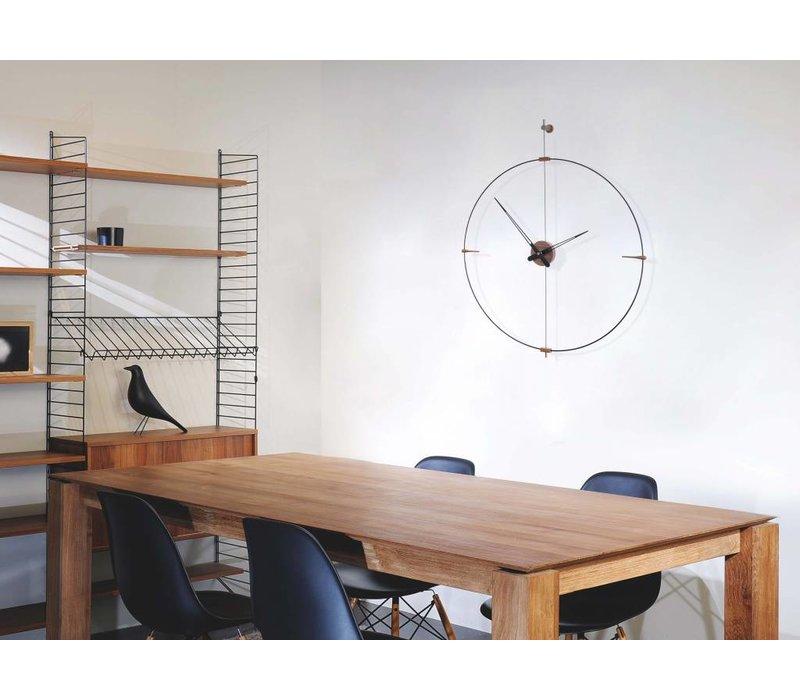 'Mini Bilbao' round clock, minimalistic design