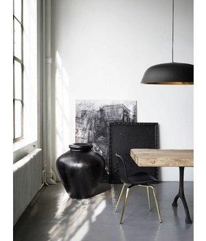 """NORR11 Design-Hängelampe """"Cloche Three"""" in schwarz mit goldfarbener Innenseite."""