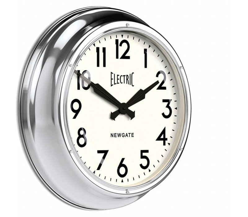 """Große Wanduhr """"The Giant Electric"""" in Chrom-Ausführung."""