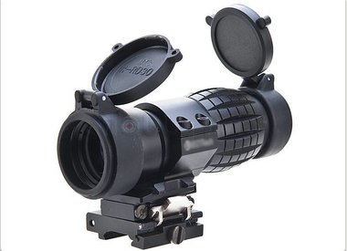 Magnifiers for red dots
