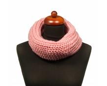 Col sjaal gebreid kleur roze
