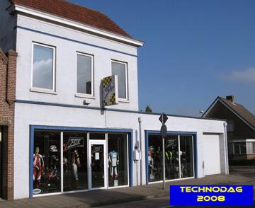 Motorkledingwinkel van MJK Leathers in Oudenbosch